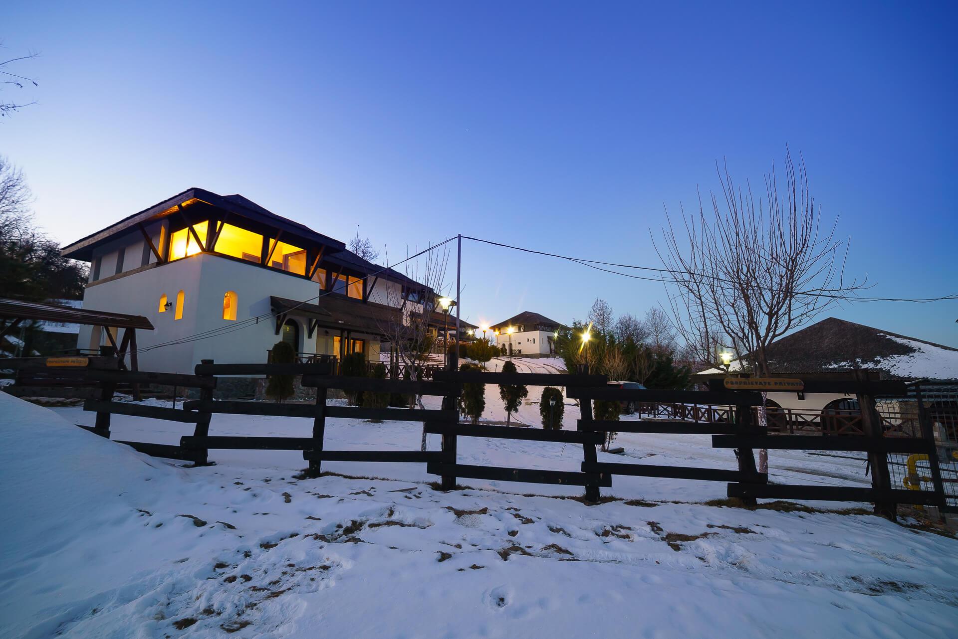 SatulPrunilor_Iarna_Exterior_053